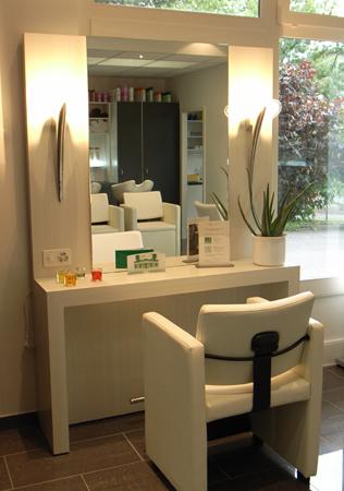 mobilier salon de coiffure for pinterest. Black Bedroom Furniture Sets. Home Design Ideas